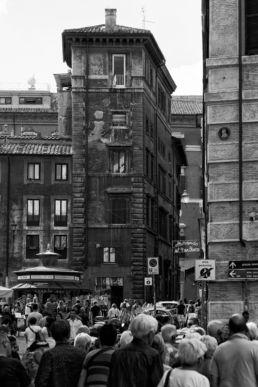 Drukke straat in Rome - Creative own Work - Diana van Neck - Fotograaf Zutphen