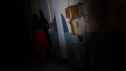 Bang weg rennende vrouw - Creative own Work - Diana van Neck - Fotograaf Zutphen